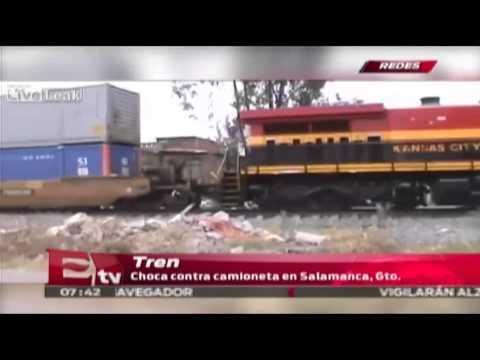 En la Red: Tren choca contra camioneta en Salamanca, Gto  / Vianey Esquinca