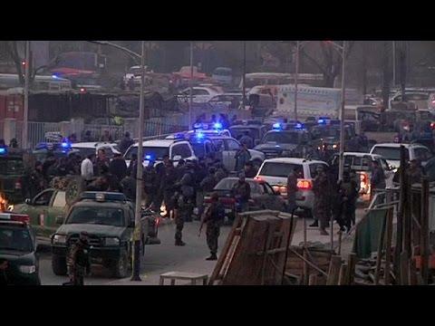 عشرات القتلى والجرحى في سلسلة هجمات شنتها طالبان في أفغانستان