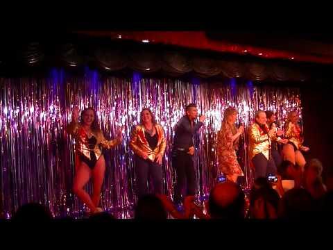 La Barra cantó en Casi Diva