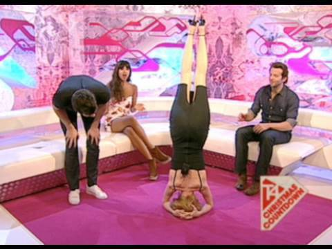 T4: Heather Graham's Cocktail Dress Headstand