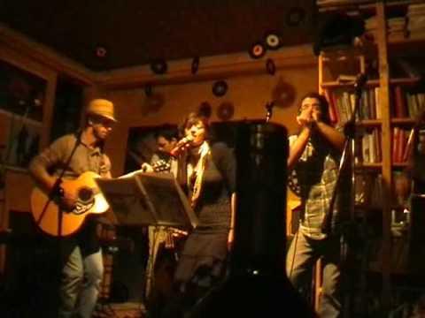 Betta Blues Society live in Calci: I Want To Go (JB Lenoir)