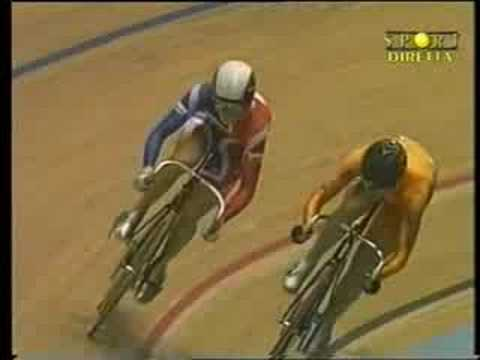 Victoria Pendleton vs Yvonne Hijgenaar - world's sprint '08