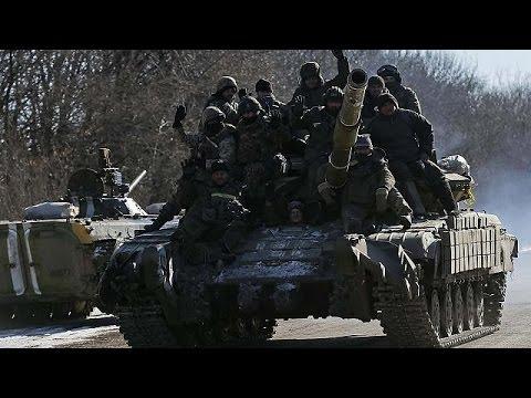 القوات الأوكرانية النظامية تنسحب من ديبالتسيفي…بوروشينكو يؤكد سقوط المدينة