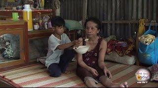 Cha bỏ ra đi, bé 8 tuổi bỏ cả tuổi thơ gánh gồng chăm sóc mẹ liệt