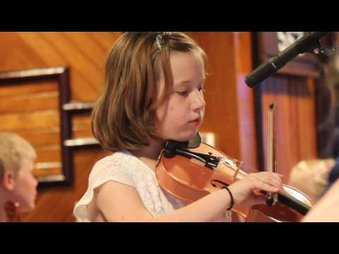 "Ivy, ""Little Liza Jane"" + Sophie, ""I'll Tell My Ma & Chicken Dance""  WEF Concert 06102017"