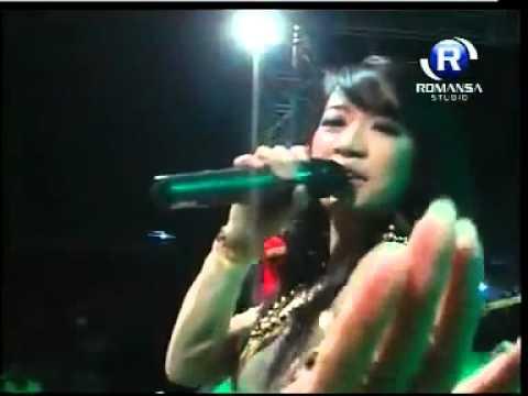 download lagu Monata Live Gresik Rena Kdi ``selalu Rindu`` gratis