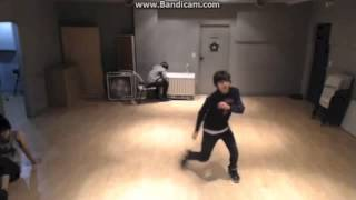 130126 SEVENTEEN TV - Hansol (Vernon) Dancing to Wet The Bed (Chris Brown) Choreography