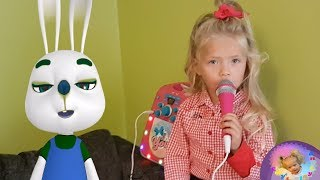 ABC Song | Little Emily is singing | Amazing videos | Children Nursery Rhymes