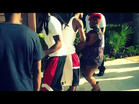 Ghetto Fights: Ratchet Girl Gets Dragged Down The Sidewalk In Altercation