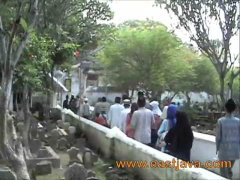 Sunan Bonang Cemetery - Tuban - East Java video