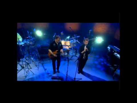 Chieli Minucci - DAYBREAK (Live)