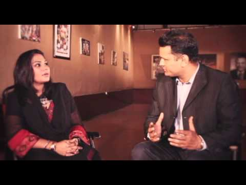 Sanam Marvi -- Talks with Kamran Nafees about Qarz-e-Ja'N