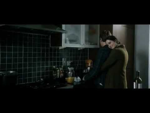 You're just an asshole and a cunt, FAT AND FUCKING FLOUR, extrait de Perfect Sense (2011)