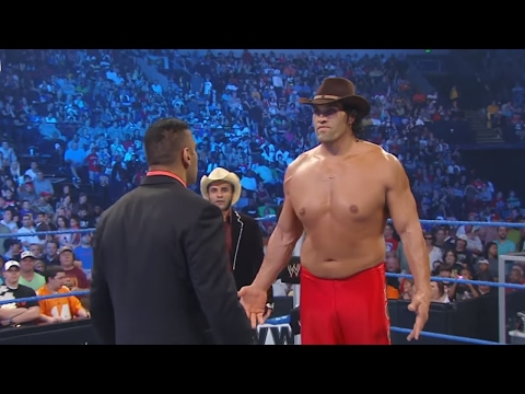 Jinder Mahal interrupts the Khali Kiss Cam: SmackDown, May 13, 2011