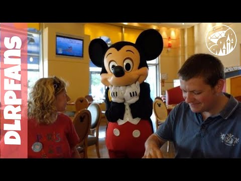 Breakfast at Cafe Mickey in Disneyland Paris