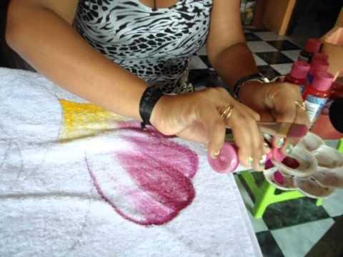 Pintura em toalha: forma rápida de pintar.AVI