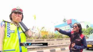Download Lagu Melihat Polwan Cantik Bertugas, Pria Ini Menghampiri Dengan Sejuta Rayuan - 86 Gratis STAFABAND