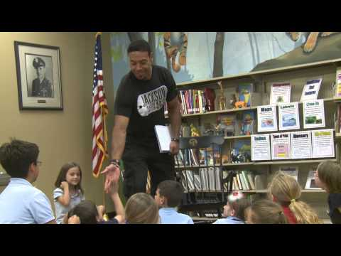 Vincent Jackson reads to children of military families
