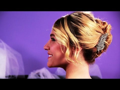 How to Put Your Hair in a French Twist | Wedding Hair klip izle