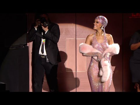 Rihanna, Style Icon Award - 2014 Cfda Fashion Awards video