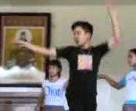 Danillo??? dancing!!! wakekekekezz