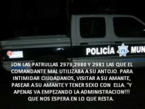 POLICIA TIENE SEXO EN PATRULLA