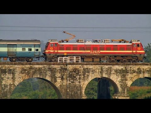 New AC cab WAP-4 races away with 12670 Ganga-Kaveri SF Express!