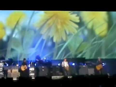 PAUL MCCARTNEY- A day in the life/Give peace a chance-Uruguay 2012