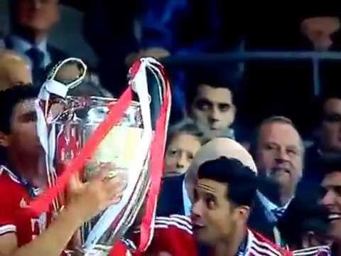 Bayern Munich Celebration with the Cup UEFA Champions League 2013 moment