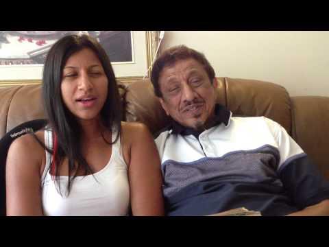Murtaza Karimjee & Nisreen singing - Mujhe pyar ki zindagi dene...