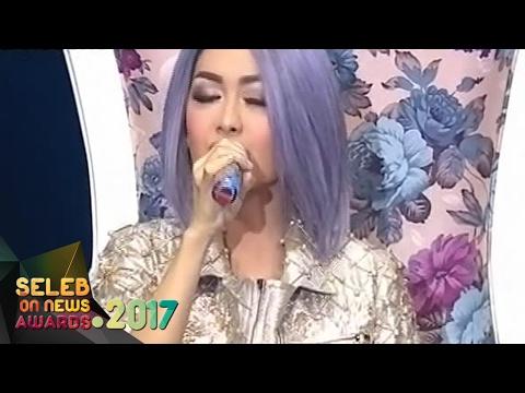 Wihhhh Hebat!! Julia Perez Sakit Masih Sanggup Tampil Memukau - Seleb On News Awards 2017 (9/2)