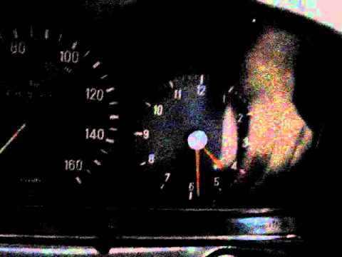 Mercedes Benz w123 240D 78' cold start.