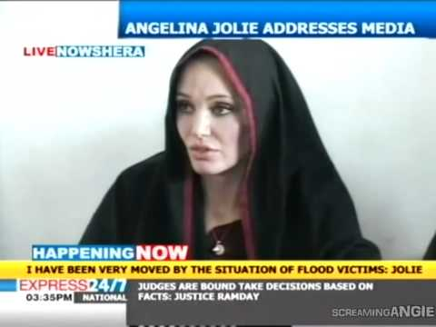 Angelina Jolie in Pakistan to meet flood victims