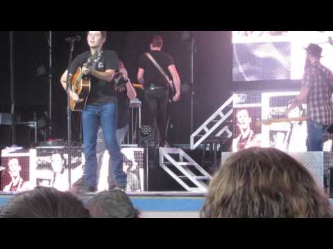 Scotty McCreery Carowinds Old Country medley 8/16/2024