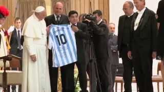 Violetta Martina Stoessel Maradona da Papa Francesco - Video