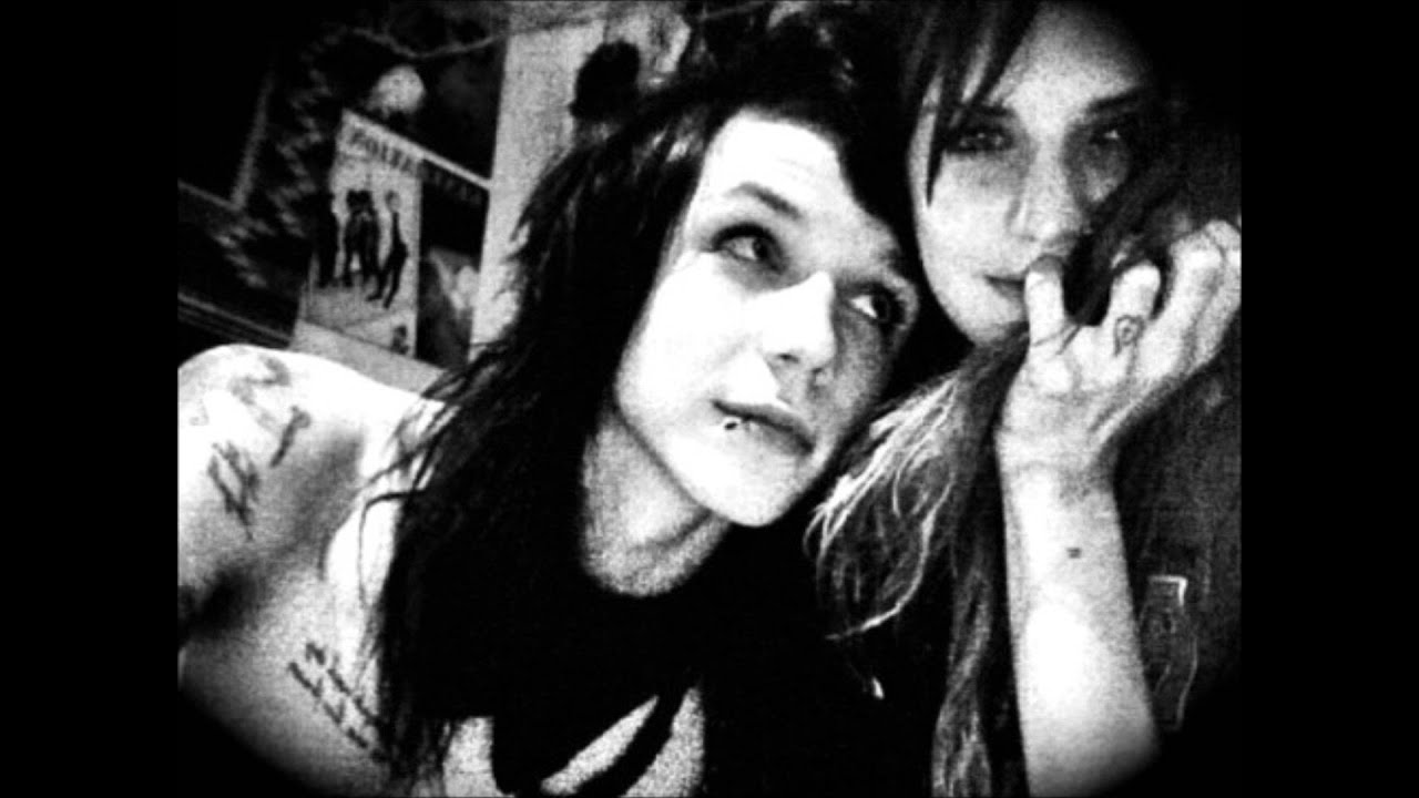 Juliet Simms and Andy Biersack Love Story - YouTube