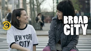 Presenting the Perfect Pair of Badass BFFs - Broad City