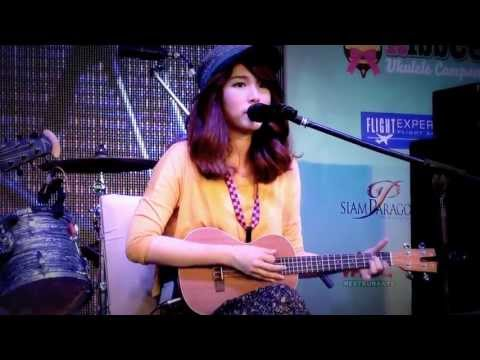 leaving On A Jet Plane By แป้งโกะ (ukulele Version)  Thailand International Ukulele Festival #3 video