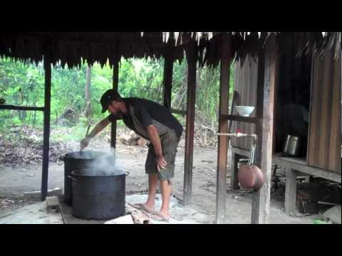 The Ayahuasca Brew Maestro -Pt 1 of 3- Making Ayahuasca and Various Types of Brew