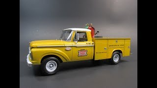 1965 Ford F100 Service Truck 1/25 Scale Model Kit Build Review Moebius Model King 1235