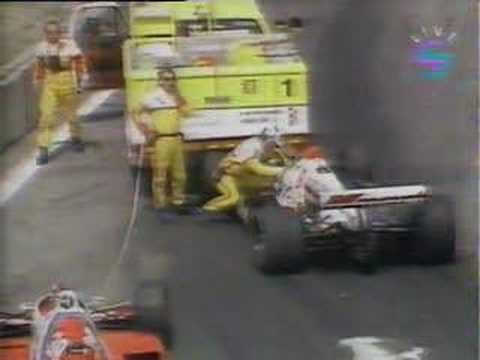 Indycar - Mario & Michael Andretti crash in safety vehicle Video