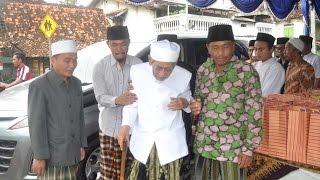 download lagu Terbaru Kh. Maimun Zubair Pengasuh Pondok Al-anwar Sarang Rembang gratis