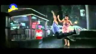 BEST COUPLE HINDI SONG - Idhar Chala Main Udhar Chala.flv