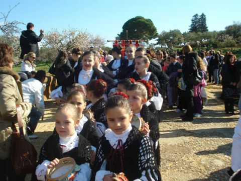 """""""Gruppo folk Citta' di Raffadali"""" 64° sagra del mandorlo in fiore i bambini del mondo"""