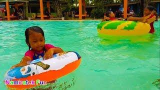balita belajar berenang di Kolam Renang Anak   Fun Kids Learn Swimming Underwater in Swimming Pool