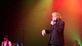 Watch Eddie Money Everybody Loves Christmas video