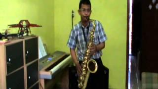 Fatwa Pujangga on Tenor Saxophone