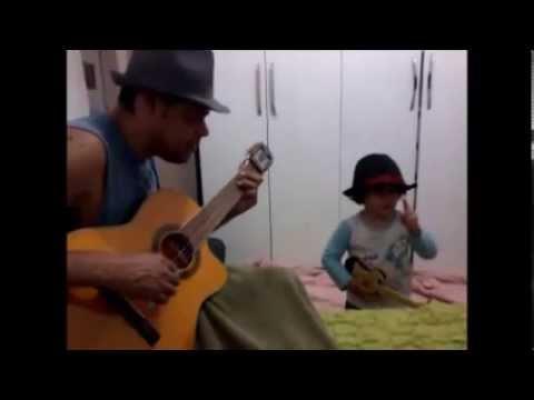 Edinho e Lucas  cantando 93 MILION  MILES  JASON MRAZ