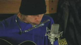 Watch Todd Snider Play A Train Song video