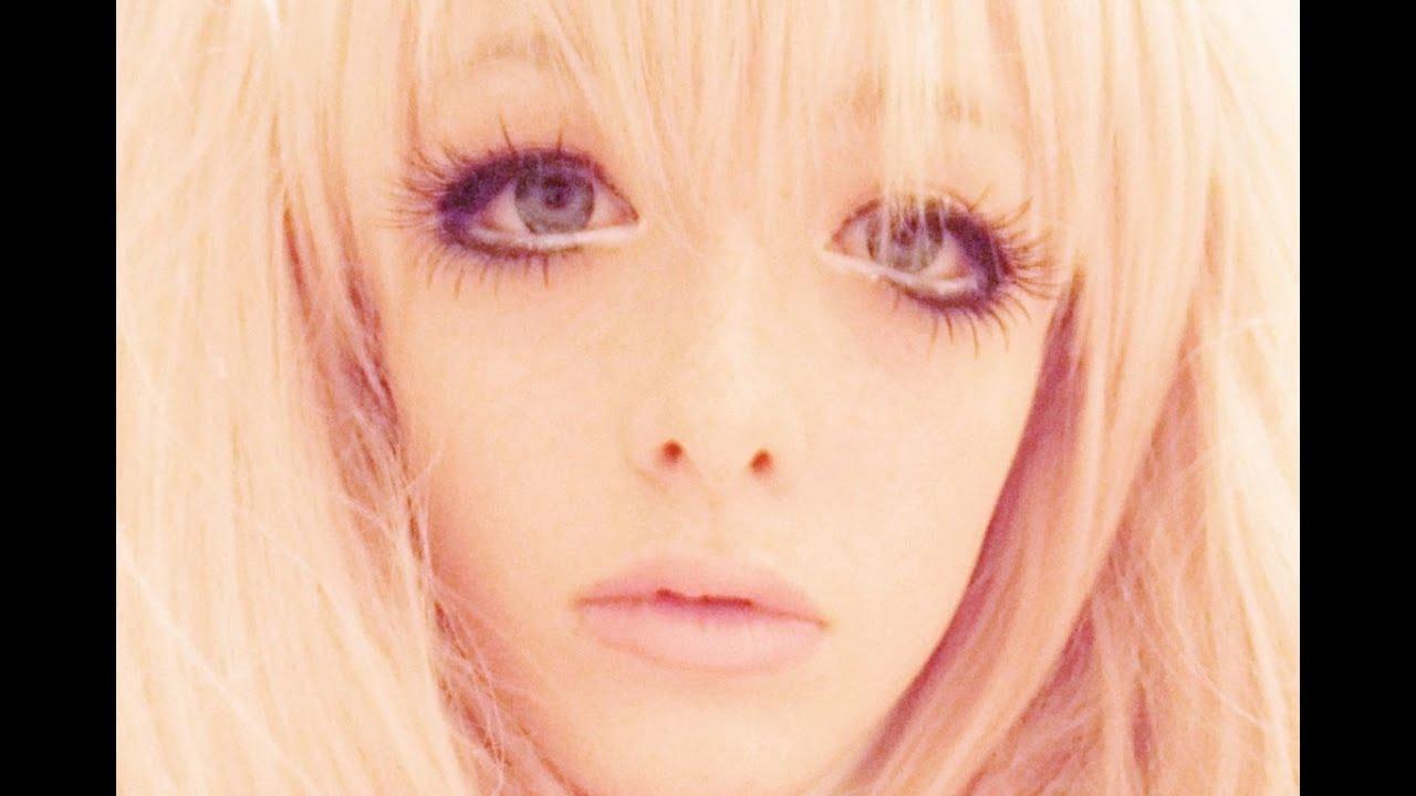 Junko Enoshima Cosplay Makeup